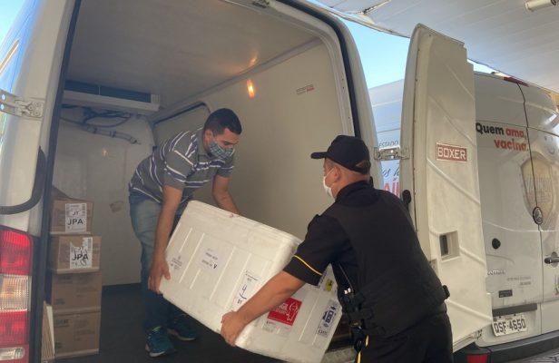 distribuicao-vacinas-616x400 Paraíba distribui nesta sexta-feira mais de 57 mil doses da Covid-19 para os municípios