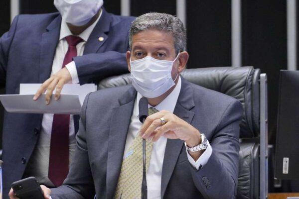 lira-600x400 Lira nega Bolsa Família de R$ 400 e furo do teto de gastos