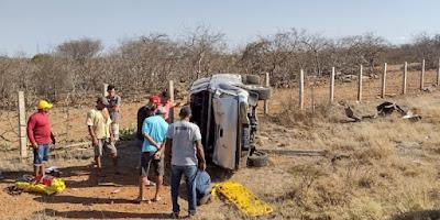 1 Advogado sumeense perde controle de veículo e sofre acidente em estrada próximo à Camalaú