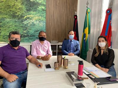 12 Vereador Paulo Sérgio apresenta projeto que concede título de cidadão ao diretor da UNICIR, Dr. Paulo Antônio Lucena