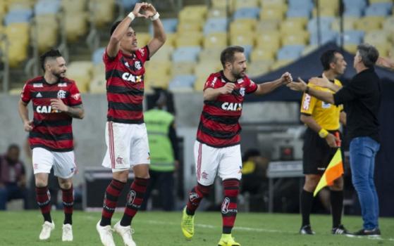5bf6062e453c2 Flamengo vence o Grêmio em jogo com torcida no Maracanã e vai enfrentar o Athletico na semifinal