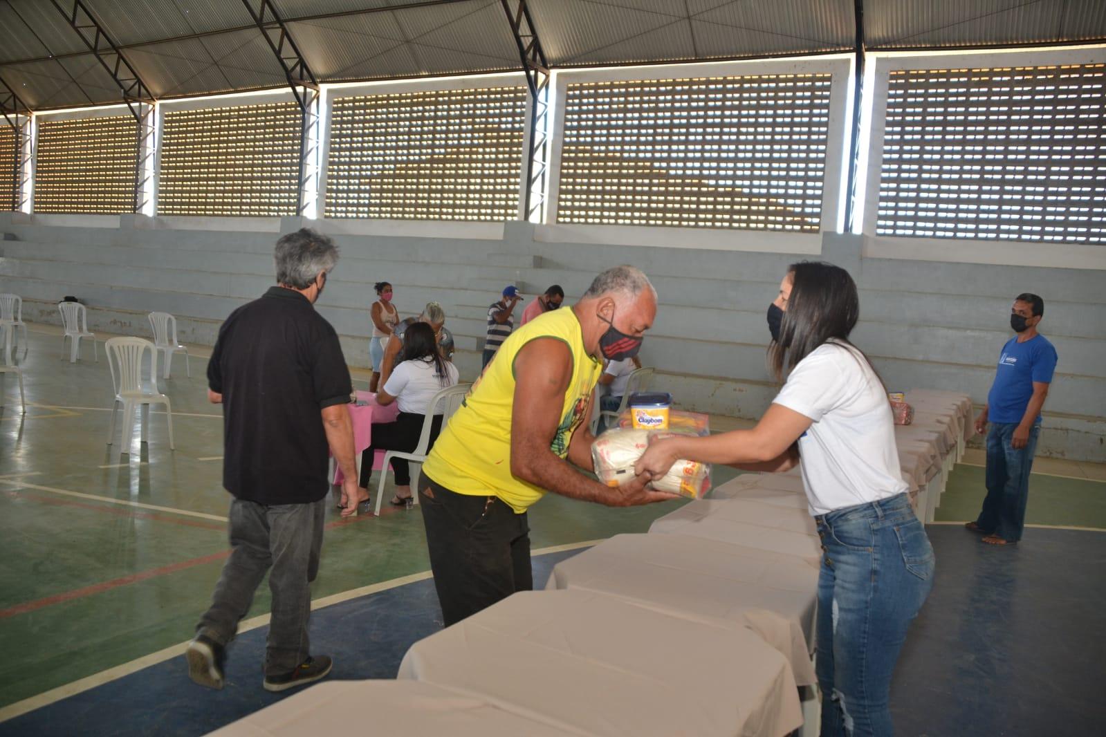 Cesta-Social-Agosto-13 Beneficiários do Programa Cesta Social agradecem e destacam o empenho e dedicação da Prefeita Anna Loren