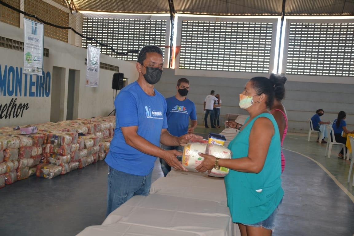 Cesta-Social-Agosto-2 Beneficiários do Programa Cesta Social agradecem e destacam o empenho e dedicação da Prefeita Anna Loren