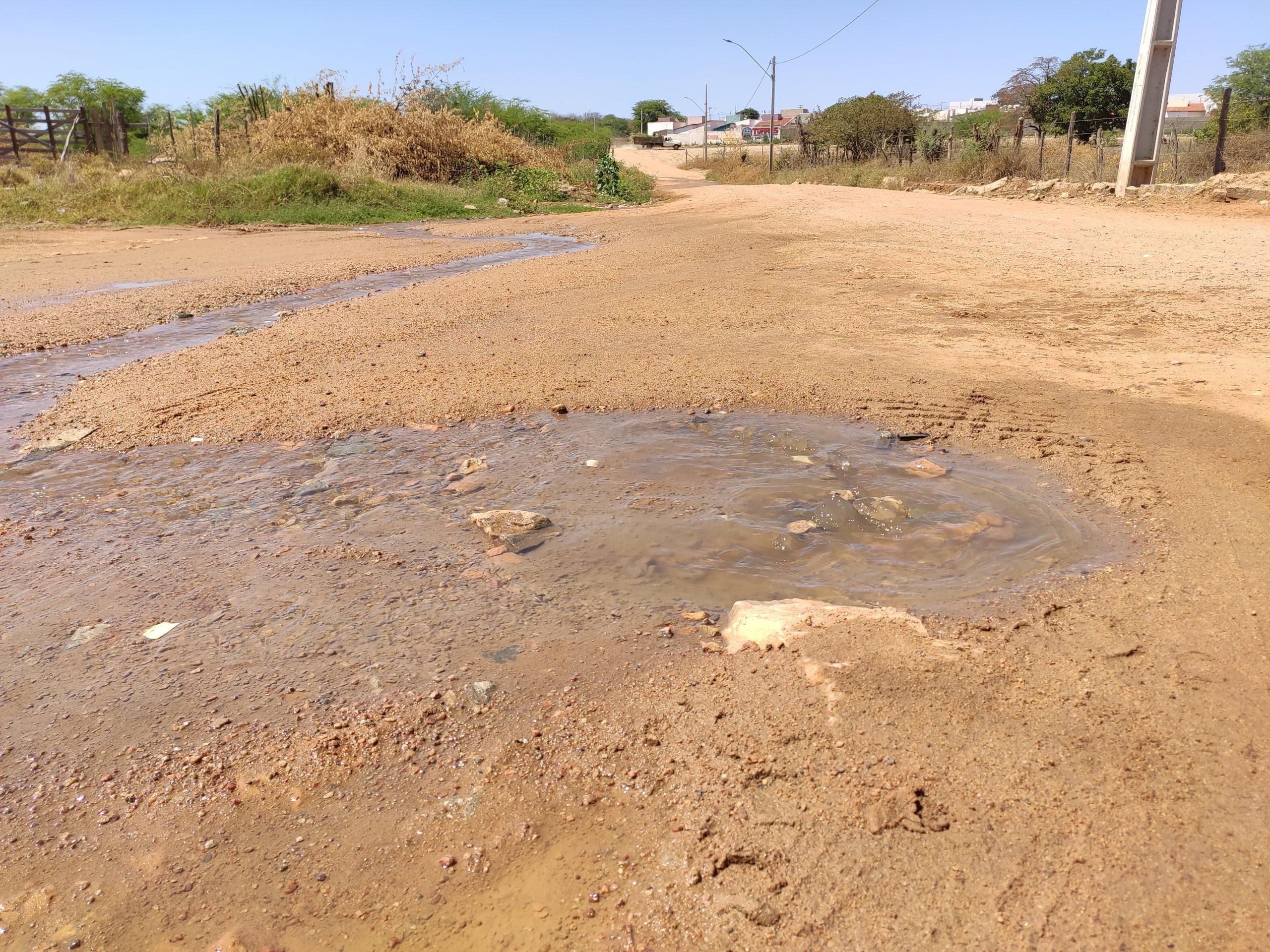 IMG_20210910_093603-scaled Moradores denunciam vazamento de esgoto sendo despejado no canal da Transposição em Monteiro