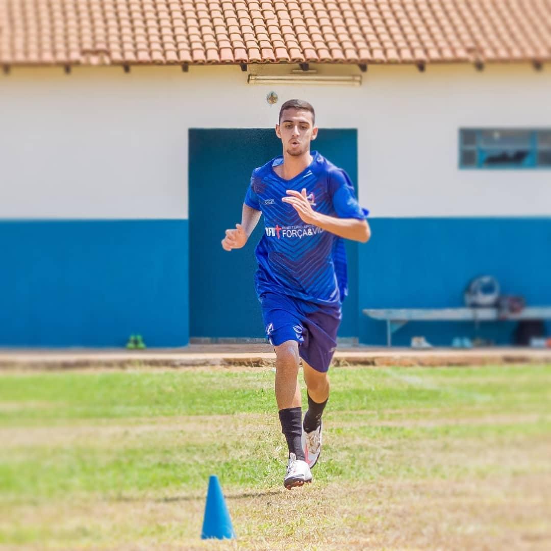 adler_juan04_20210925_062312_1 Monteirense é contratado pelo time Bolamense FC em Brasília