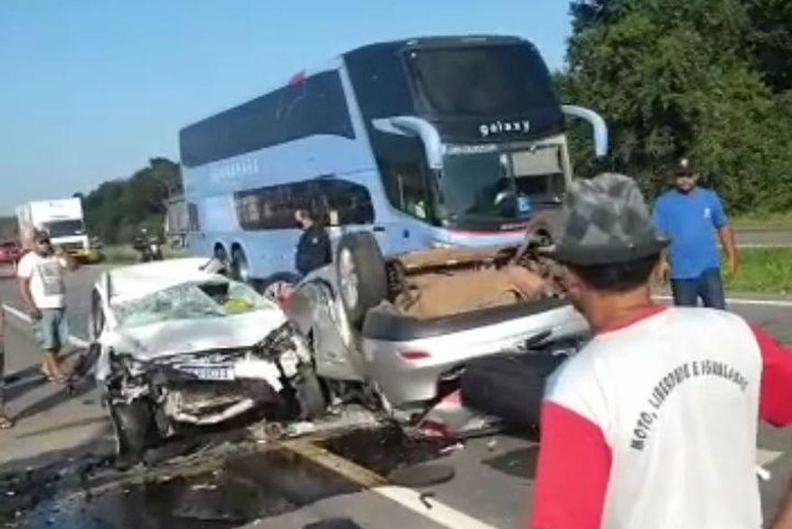 img_20210921_074026 Acidente envolvendo dois carros deixa uma pessoa morta em rodovia da Paraíba