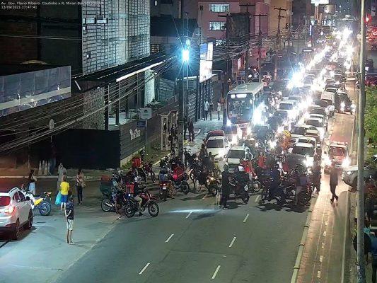 moto-533x400 Motoboys fecham avenida em protesto após morte de entregador em acidente no Retão de Manaíra em João Pessoa