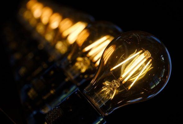 tarifa-de-energia-conta-de-luz-reducao-copel-luz-energia-eletrica-pis-cofins-icms-empresa-comercio-industria-589x400 Conta de luz vai aumentar 6,78% com nova bandeira tarifária