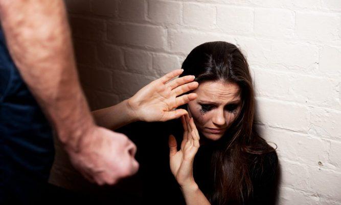 violencis-domestica-20131019-003-1000x600-1-667x400 Tenente coronel do exército é preso suspeito de agredir esposa