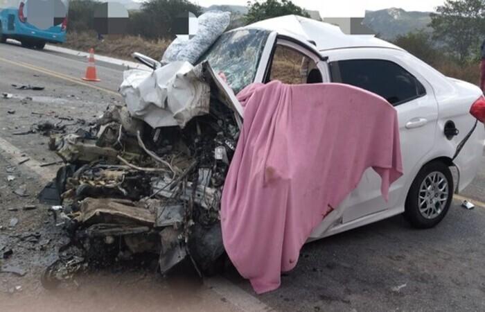 20211008214857547601o Acidente entre carros em Pesqueira deixa 6 mortos e 2 feridos
