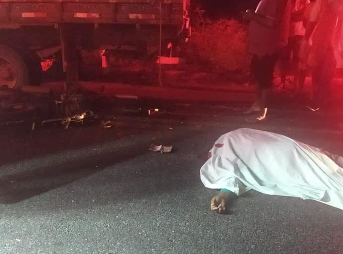 244856666_3978636308904871_6251270916875817232_n-e1634081765954 Motociclista morre após colidir na traseira de caminhãona estrada que liga Congo a Camalaú