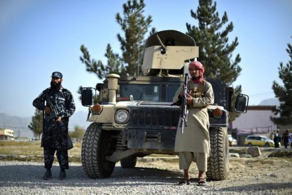 750_taliba_2021101095226132-600x400 Talibãs recusam ajuda dos Estados Unidos no combate ao Estado Islâmico