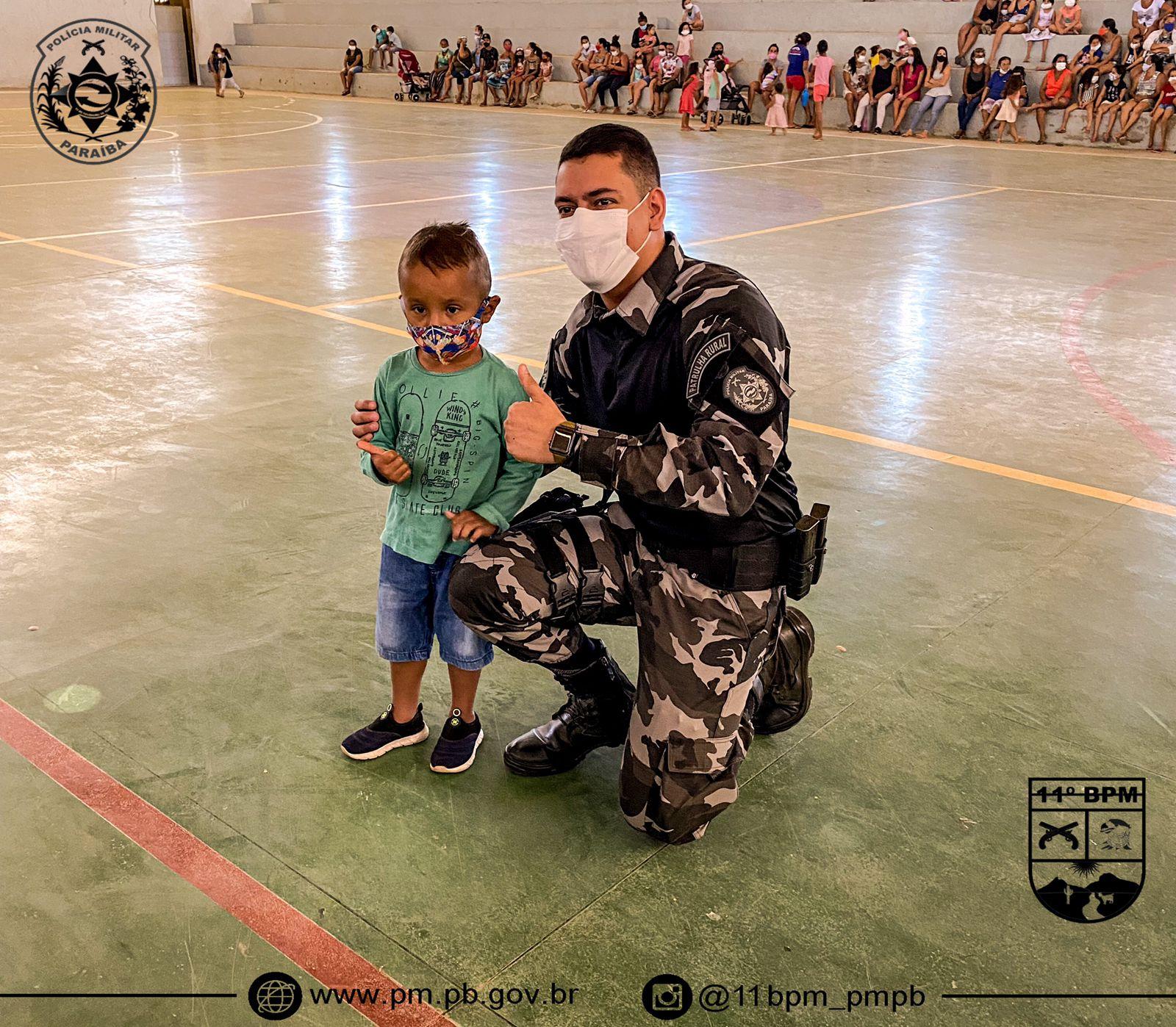 IMG-20211013-WA0377 Em Monteiro: 11º Batalhãode Polícia Militar,realiza operação criança feliz e entrega os brinquedos arrecadados