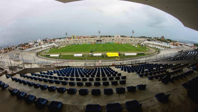 amigao-1 Em novo decreto, prefeitura amplia público em estádios de Campina Grande